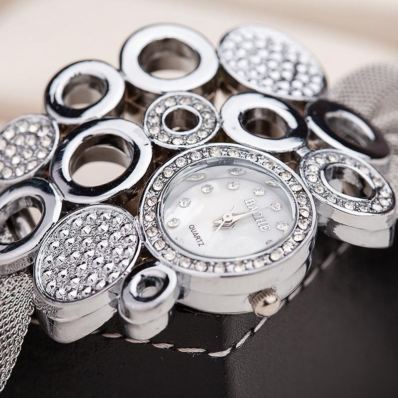 DHL Luxuxart und weisearmbanduhrfrauen Populäre heiße EU US diamante Maschenarmbanddamen Art und Weisezusätze quarzuhren Kleidarmbanduhr
