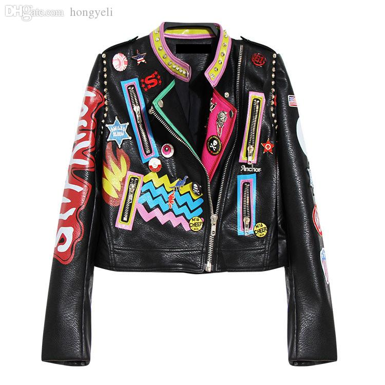 32626d62dc096 Gros-HOT femmes dames filles punk rock hip-hop Graffiti badges broderie  rivet impression court moto vestes en cuir de locomotive