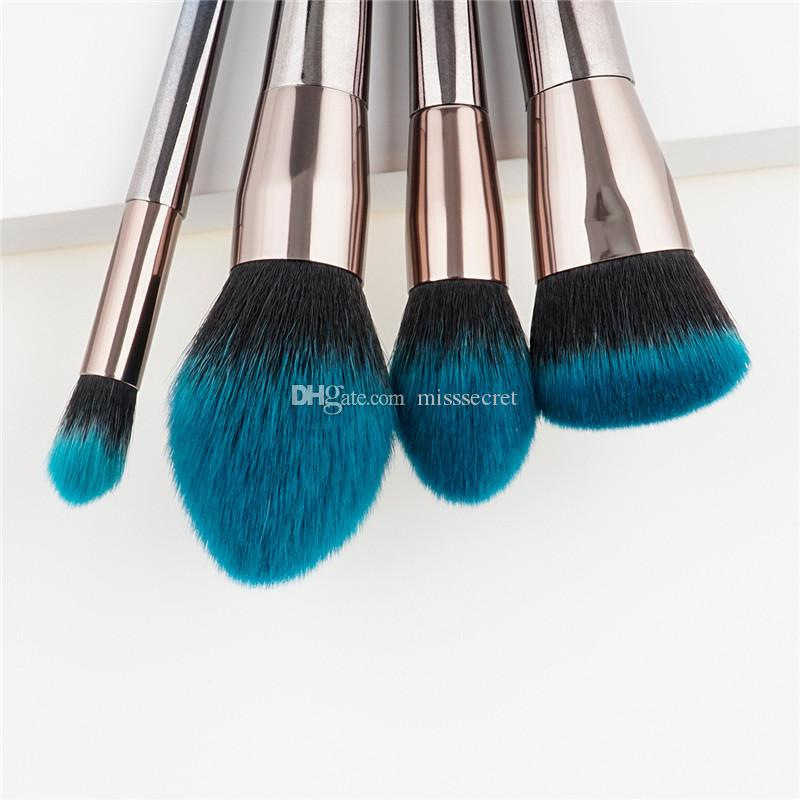 Cepillos de maquillaje de diamante con mango de llama azul de plata Cepillo de maquillaje de fundación facial Cepillo de maquillaje con contorno de maquillaje cosmético Kit de pinceles de maquillaje