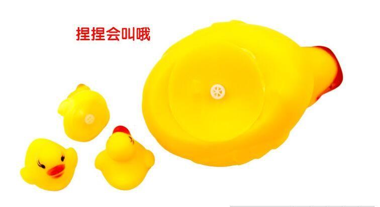 استحم لعبة البط الصفراء للرضع والأطفال الصغار الذين تقلصوا تسمى ألعاب الحمام مصدر الشارع لبيع الألعاب بالجملة للإبلاغ عن المشتريات