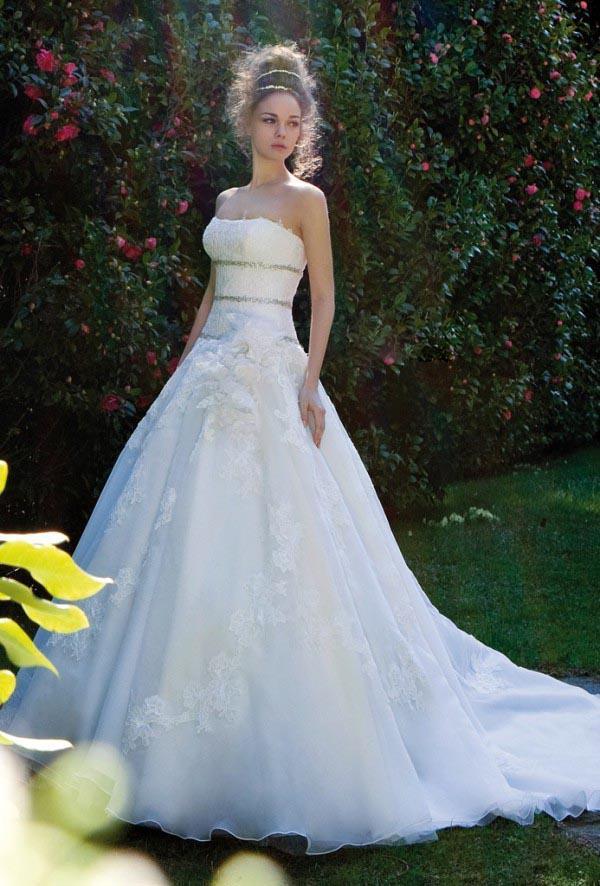 Nova Praia Vestidos De Noiva Vestido De Noiva Com Uma Linha Strapless Cheia Do Laço Top Branco Handmade Flor Appliqued Trem Da Varredura
