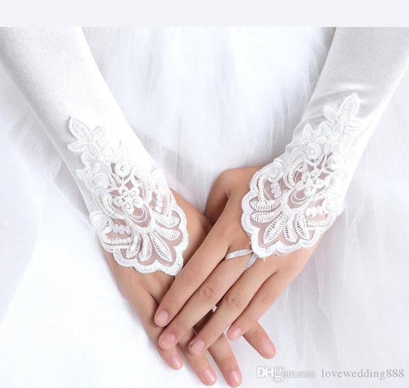 В наличии 2019 Белый Кот Красный Аппликация из бисера Кружева без пальцев Свадебные Свадебные Перчатки Пром Вечерние Коктейльные Перчатки для Невесты