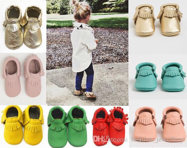 20% weg! freie Socken NEUE ANKUNFT geben Verschiffengroßhandelsbaby-Mokassins weiches lederne moccs Babybeuten-Kleinkindschuhe / frei