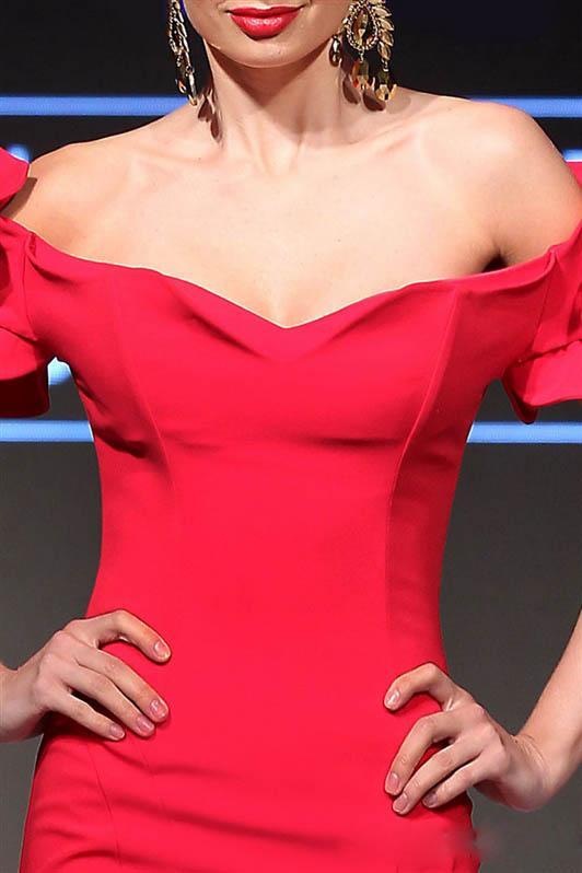 Vestidos de noche de sirena roja sexy fuera del hombro sin mangas Vestido de fiesta de mnm couture Hasta el suelo vestidos de noche con volantes