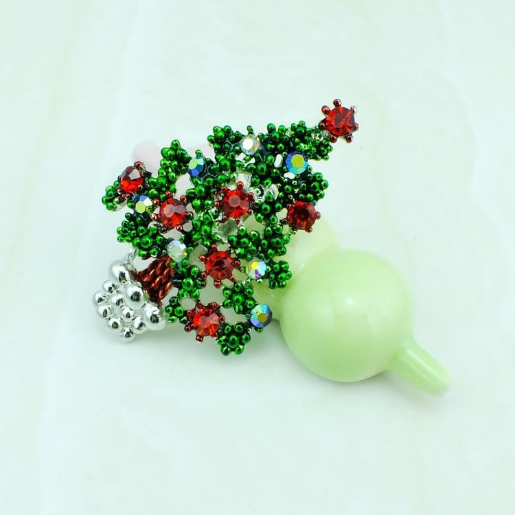 Fashion Silver Color Metal Brooches Pins Red Rhinestone Christmas Tree Brooches Clothing Christmas Decoration Gift Jewelry