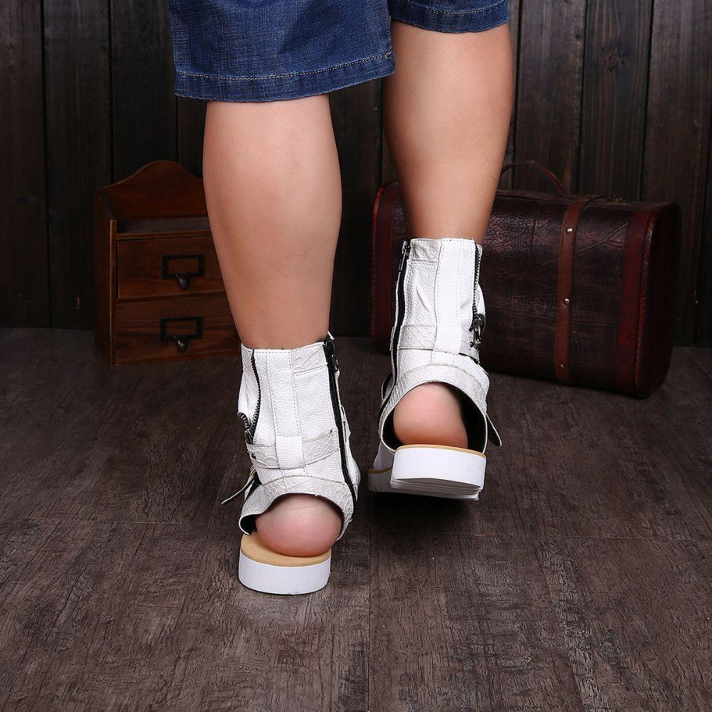 2017 Gladiator Sandals Pour Hommes Noir Blanc Cheville En Cuir Hommes Appartements Italien Chaussures Sandales Rivets Mens Pantoufles Bottes De Moto Plus La Taille 46