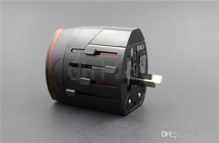 Многофункциональный универсальный адаптер переменного тока для путешествий по всему миру EU UK US AU с 2 USB белого / черного цвета