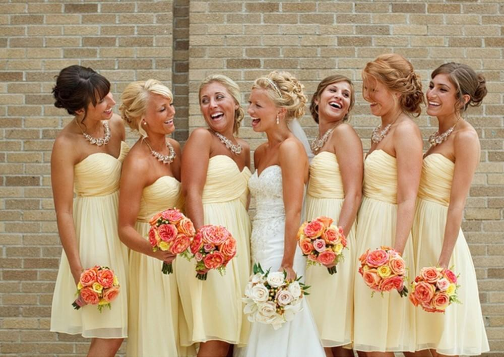 2015 vestidos de dama de honor de color amarillo claro a la rodilla hasta la rodilla vestido de fiesta de boda corto por debajo de 100 $ Venta caliente