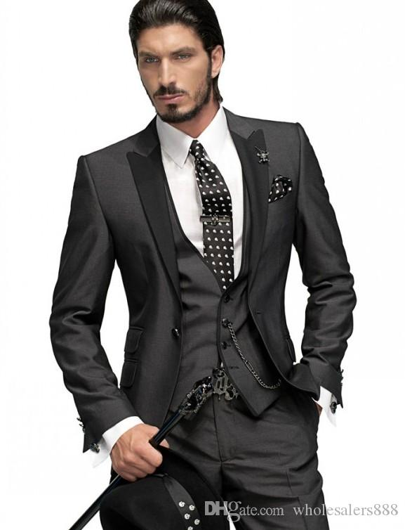 Smoking dello sposo Slim Fit One Button grigio antracite Best Man Peak Nero risvolto Groomsmen Uomo Abiti da sposa giacca + pantaloni + cravatta + gilet H751