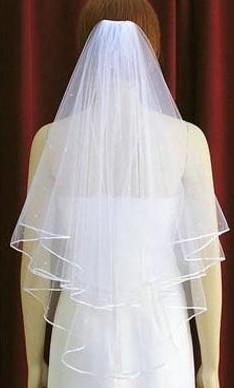 Spedizione gratuita 2015 abito da sposa bianco avorio da sposa veli 2 strati nastro bordo velo di tulle la cerimonia nuziale della chiesa sposa in magazzino