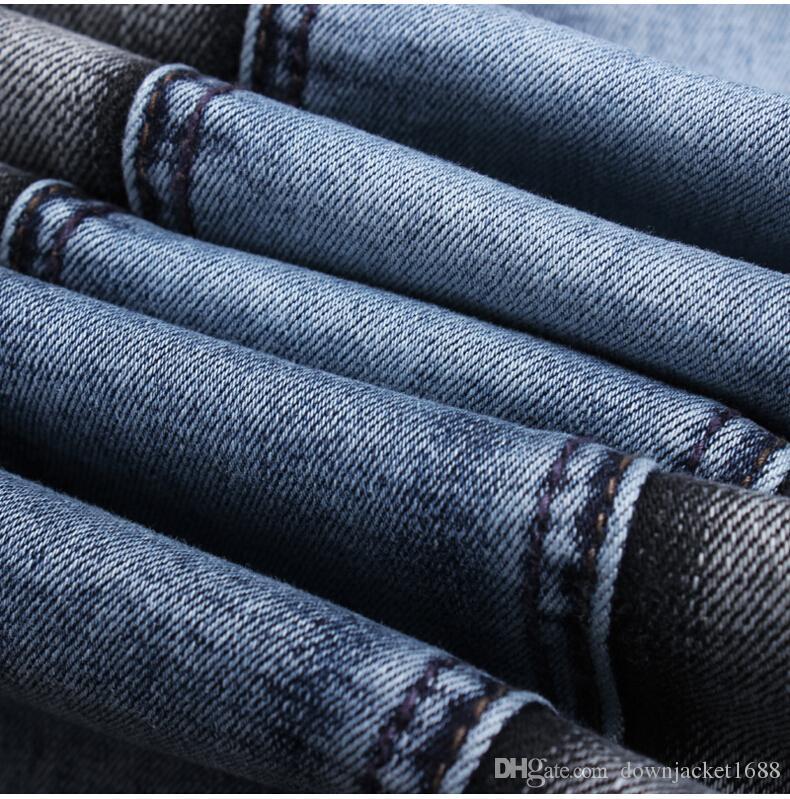 Nuovi jeans attillati strappati strappati da uomo Designer di moda Pantaloncini da uomo Jeans Slim Moto Motociclista Causale Pantaloni di jeans da uomo Hip Hop Uomo J