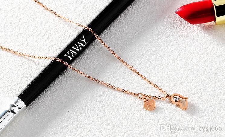 Avrupa ve Amerika Birleşik Devletleri basit takı aşk elmas kolye kısa paragraf klavikula zinciri gül altın lady titanyum kolye