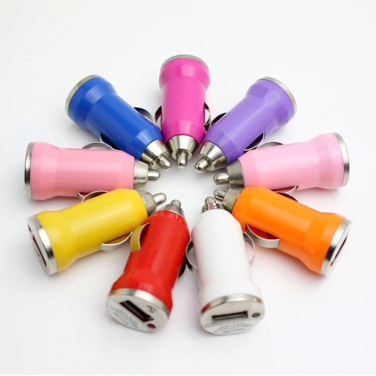 Mini Car Charger adattatore universale Colorful Mini USB Car Charger 5V / 1A spedizione adattatore caricatore portatile Zoccolo i