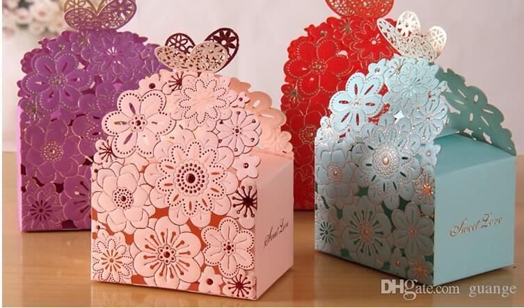Romantic Hollow out Wedding Gift Box Elegant Luxury Decoration Laser Cut Party Sweet Favors Guest Gift Wedding Paper Candy Boxs THZ170