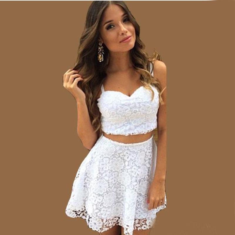 Chicas lindas en mini vestidos