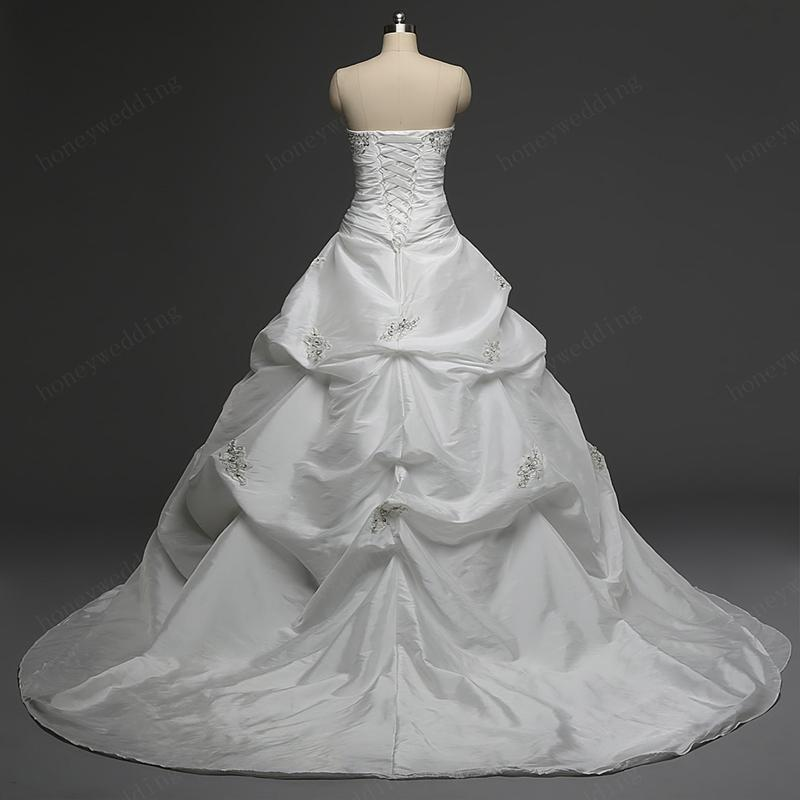 Classic Wedding Dresses Cheap 2016 Real Photos Strapless Ruffles White / Ivory Taffeta Ball Gown Bridal Gowns In Stock With Lace Up Back