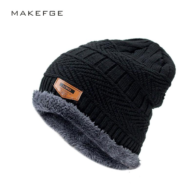 Men  S Winter Hat 2017 Fashion Knitted Black Hats Fall Hat Thick And ... c46c1d072c1
