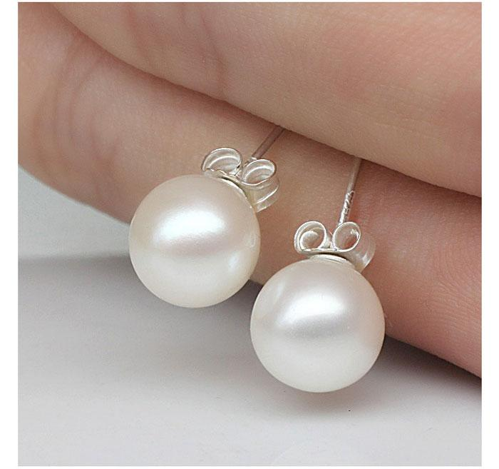 Nueva joyería 6mm / 8mm / 10mm Pendientes de perlas Stud 925 Pendientes de plata de ley para la fiesta de bodas de color beige Envío Gratis
