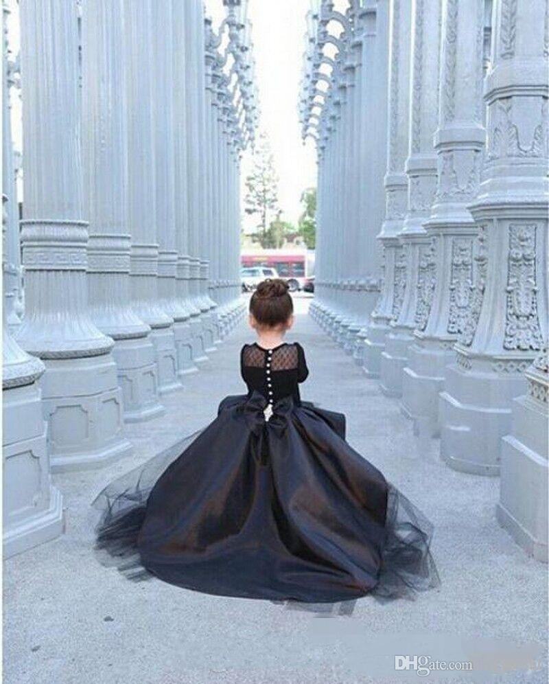 2016 manches longues Petites Filles Pageant Robes Noir HIGH LOW Jewel Robes De Fille De Fleur Pour Les Adolescents Formelles Robes De Sainte Communion EN9084