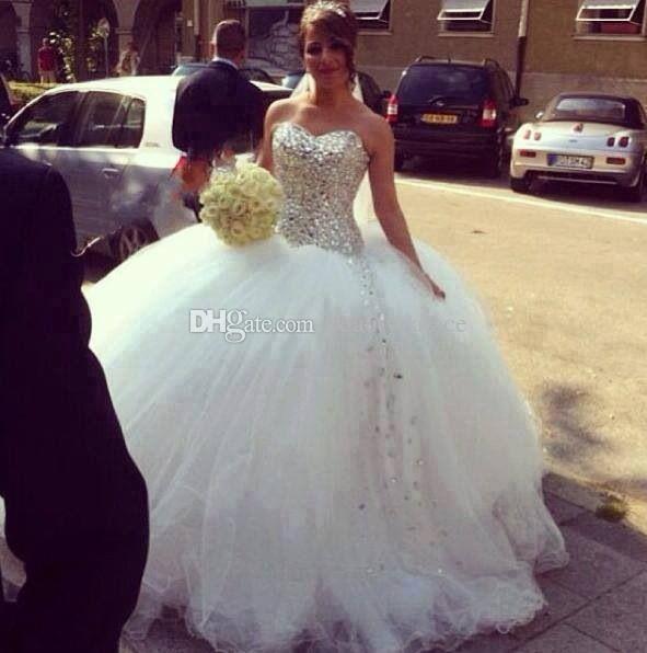 Nueva llegada cariño cristales sin tirantes Shinning blusa vestido de bola Tulle piso longitud vestidos de boda blanco