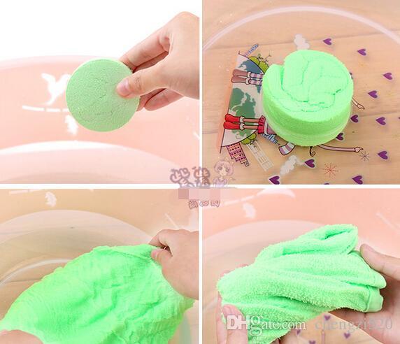 Sneldrogende reisgrootte Draagbare gecomprimeerde handdoek katoen Magic Square kan herhaaldelijk worden gebruikt