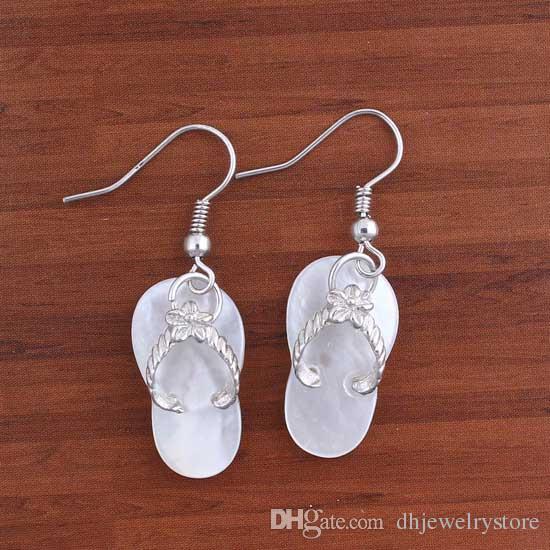 Comercio al por mayor 10 Par de Charm Natural Blanco / Negro Colorido Abulón zapatillas de concha forma Cuelga Gancho Pendiente Joyería de Gota Para Las Mujeres