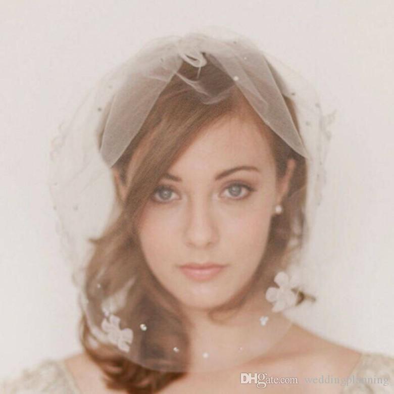 وجه الحجاب جميلة قصيرة طبقات واحدة الحجاب الرسمي الحجاب الأبيض الحجاب الزفاف الأبيض غير مكلفة حافة بسيطة حافة الزفاف الحجاب الأربعاء خمر التبعي