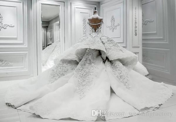 Vestido de novia lujoso Vestido de novia fuera del hombro Cristal brillante Perlas Lentejuelas Apliques de encaje Vestidos de novia lujosos con tren largo
