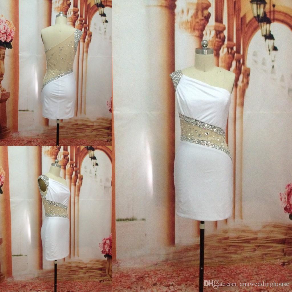 한 어깨 싼 화이트 홈 커밍 드레스 섹시 크리스탈 비즈를 통해 다시보기 장식 조각 미니 짧은 댄스 파티 칵테일 가운