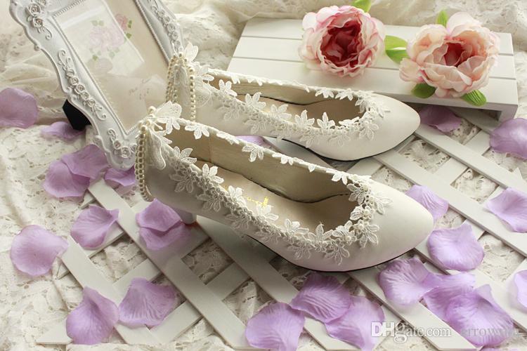 2015 scarpe da sposa in pizzo bianco perle perline applique moda scarpe da sposa fatte a mano a buon mercato modesto sexy elegante spedizione gratuita in magazzino nuovo