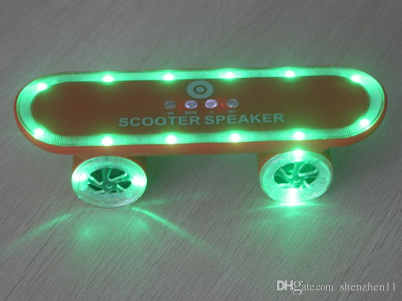 LED Flash Kick Scooters Mini Bluetooth Speakers Wireless Subwoofer Stereo Portable Skateboard Speaker For Table PC Phone DHL Free MIS124