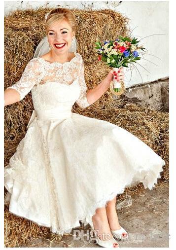 Ultimo disegno W1445 abiti da sposa in pizzo corto con maniche a metà illusione Nuova principessa Vintage A Line Abiti da sposa profondo indietro moda