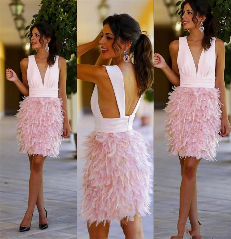 짧은 흑인 소녀 무도회 드레스 2016 vestido de festa curto 시체 V 넥 깃털 등이없는 칵테일 파티 가운