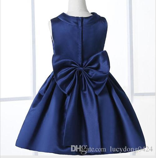 Çiçek Kız Elbise Düğün İçin Zarif Diz Boyu Ekip Boyun Çizgisi Kap Kollu Özel Çocuklar Resmi Giyim Saten Elbise