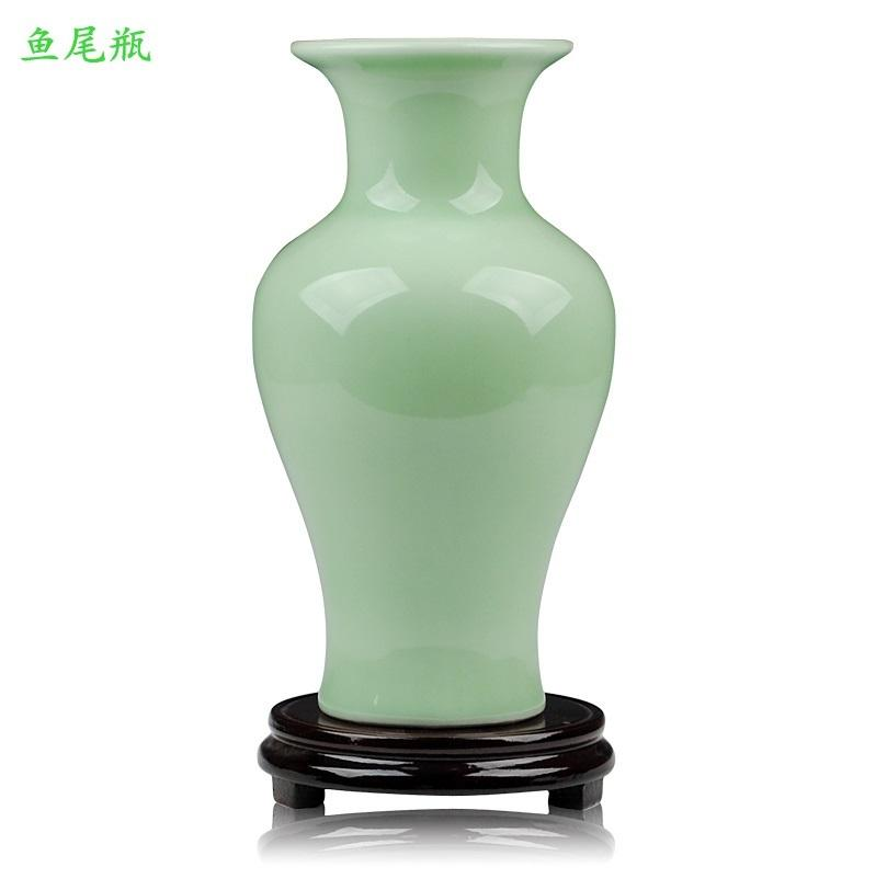 Yuweiping Light Green Pigmented Table Vase Chinese Ceramic Porcelain