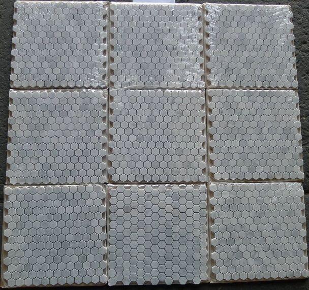 1 pouce carreau Italie Bianco carrarra carreau de marbre blanc hexagone mosaïque carreau de mur monté en maille carreaux de marbre longue dernière beauté mode décor à la maison