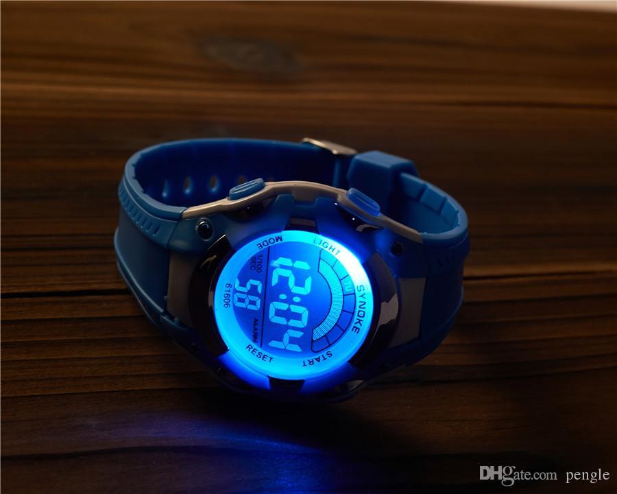 La nuova vita impermeabile multifunzionale digitale impermeabile degli orologi dell'orologio di sport di nuova moda impermeabilizza la vigilanza dei bambini Trasporto libero