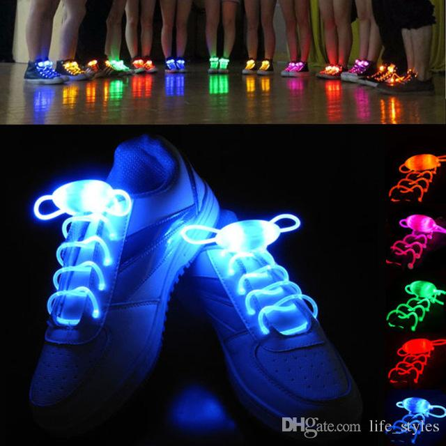100 PCS (50 paires) Lacets Lumineux Imperméables À L'eau Mode Light Up Casual Sneaker Chaussure Lacets Disco Party Night Glowing Chaussure Cordes