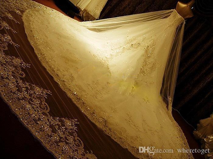 Luxury Crystal Rhinestone Bröllopsklänningar Lace Cathedral Lace-up Back Bridal Gowns 2019 A-Line Sweetheart Appliques Beaded Garden Gratis uppsättningar