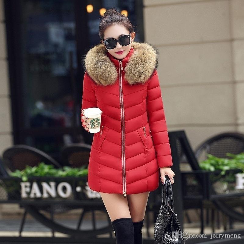 Acquista 2017 Inverno Giacche Donna Moda Lunga Spessa Warm Down Giacca Di  Cotone Donne Donne Di Alta Qualità Fake Colletto Di Pelliccia Sottile  Cappotto ... ecc1ae19c93