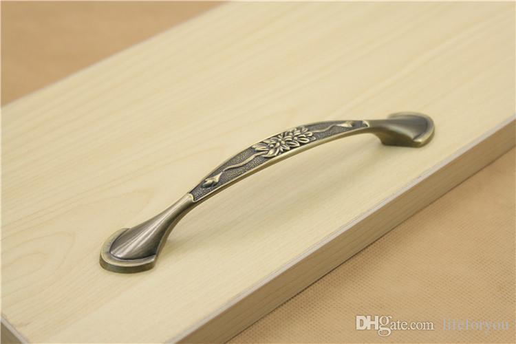 96mm / 128mm Tonhöhe antike Bronze Griff Griffe Tür Hardware Zink-Legierung Schublade zieht Knöpfe Schrank Griffe Vintage Schublade zieht