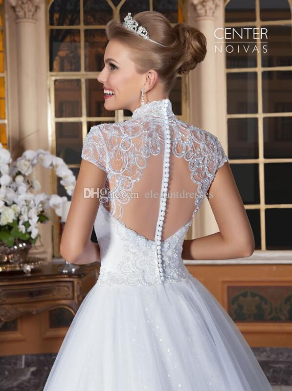 2016 Vestidos De Noiva romantic Appliques Lace Wedding Dresses Vintage Short Sleeves A Line Bridal Gown Beach Wedding Gowns Sheer Back