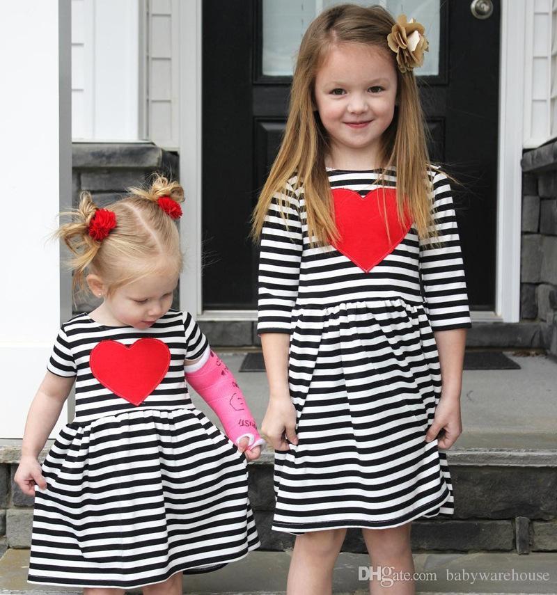 061c0f51785a8 Acheter Chaud Enfant En Bas Âge Bébé Fille Vêtements Enfants Robe Rayé  Amour En Forme De Coeur D été Princesse Robe Robe D enfant Infant Vêtements  Coton ...