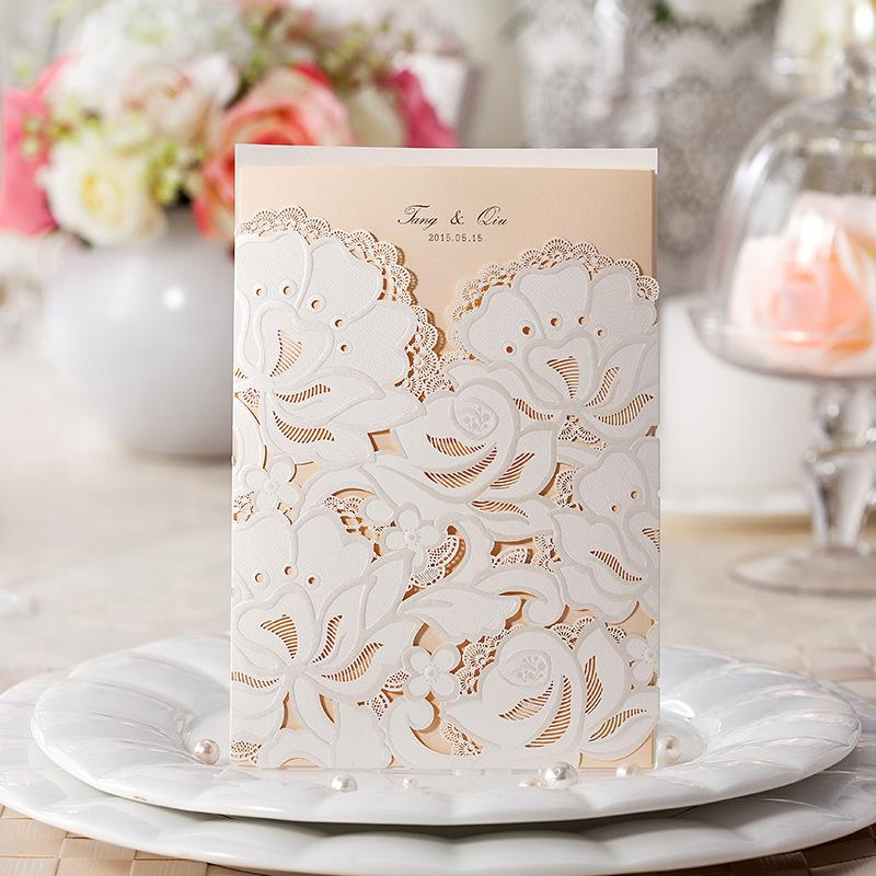 Laser Cut Folded Hollow Customized Wedding Party Invitation Cards Pure White Cover With Champagne Inserts Envelope And Seal Free
