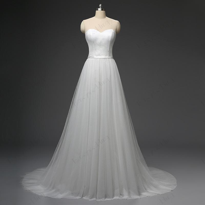 간단한 비치 웨딩 드레스 저렴한 연인 폴카 도트 얇은 명주 그물 코트 트레인 신부 가운 플러스 크기 실제 샘플 웨딩 가운