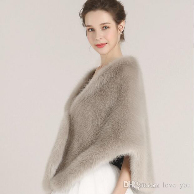 Princess Faux Fur Bridal Shrug Wrap Cape Stole Shawl Bolero Jacket Coat Crystal For Winter Wedding Bride Bridesmaid Dresses Real Image LY909