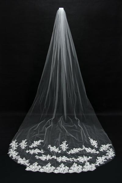 2015 Cheap Lace Bridal Veils Long Wedding Veil Real Image One Layer Applique Bridal Veils Cathedral Length Bridal Accessories New CPA067