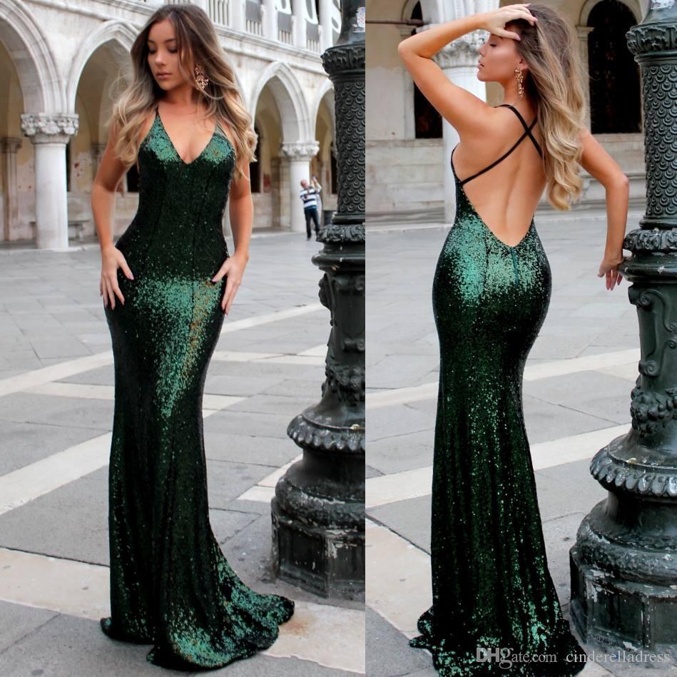 75c1fc7ce Compre 2018 Lentejuelas Verdes Esmeralda Vestidos De Baile Con Cuello En V  Sirena Espalda Abierta Vestidos Largos De Noche Para El Vestido De La  Celebridad ...