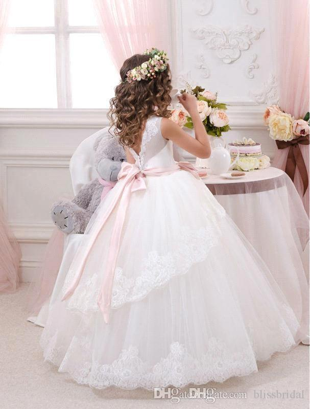 Lovely White Ball Gown Flower Girl Dresses Tulle Floor Length Girl Party Gowns Covered Lace Sheer Ribbon Bow Kids PAGEANT Gowns