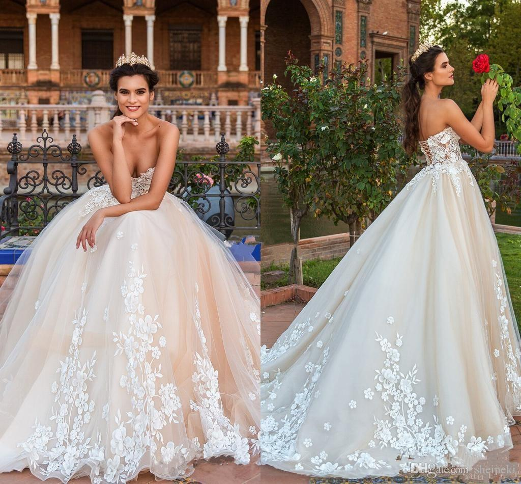 2018 High Quality New Elegant Champagne Sweetheart Neck A Line Wedding Dresses Sleeveless Appliques Lace Up Tulle Bridal Gown Custom Made